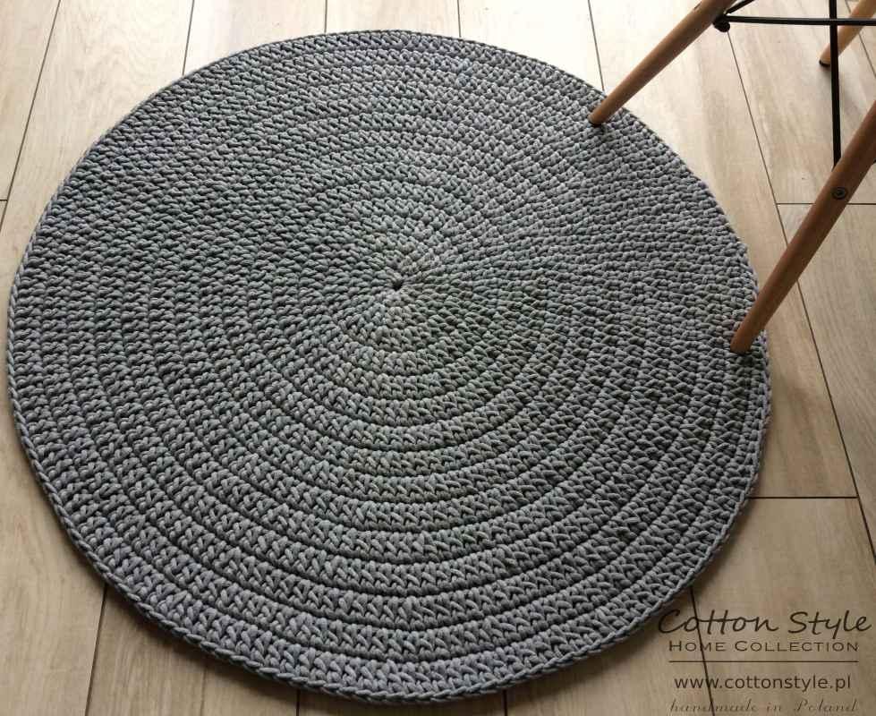 szary dywan ze sznurka